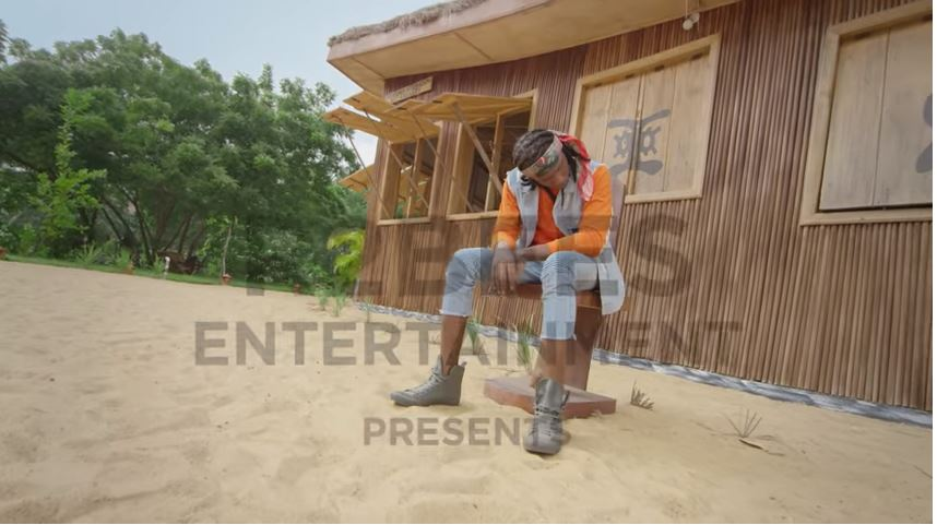 R2BEES – WE DE VIBE(Official Music video)