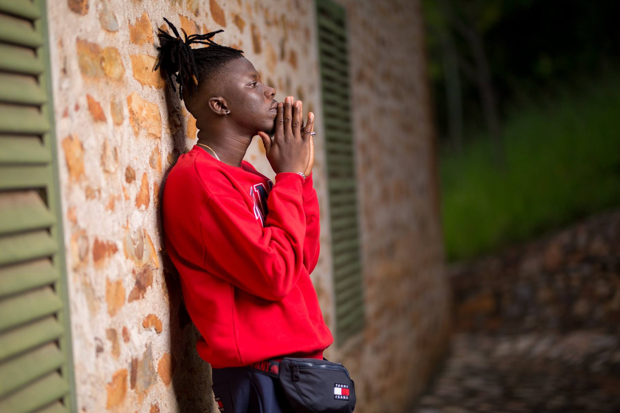 StoneBwoy-Hills-And-Valleys-Lovers-Rock-(Prod.-by-Ephraim)